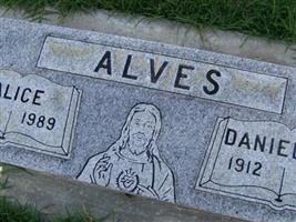 Daniel F Alves, Sr