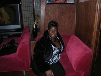 Zenelia R Bishop